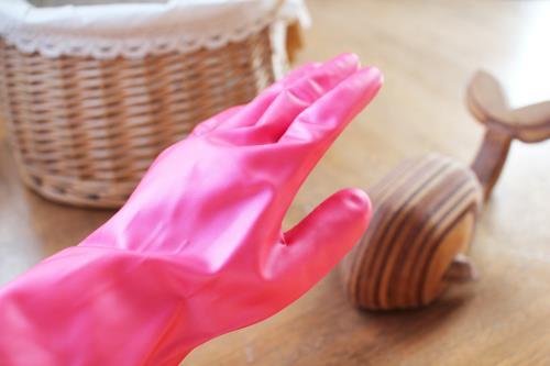ゴム手袋を装着して使用しましょう。